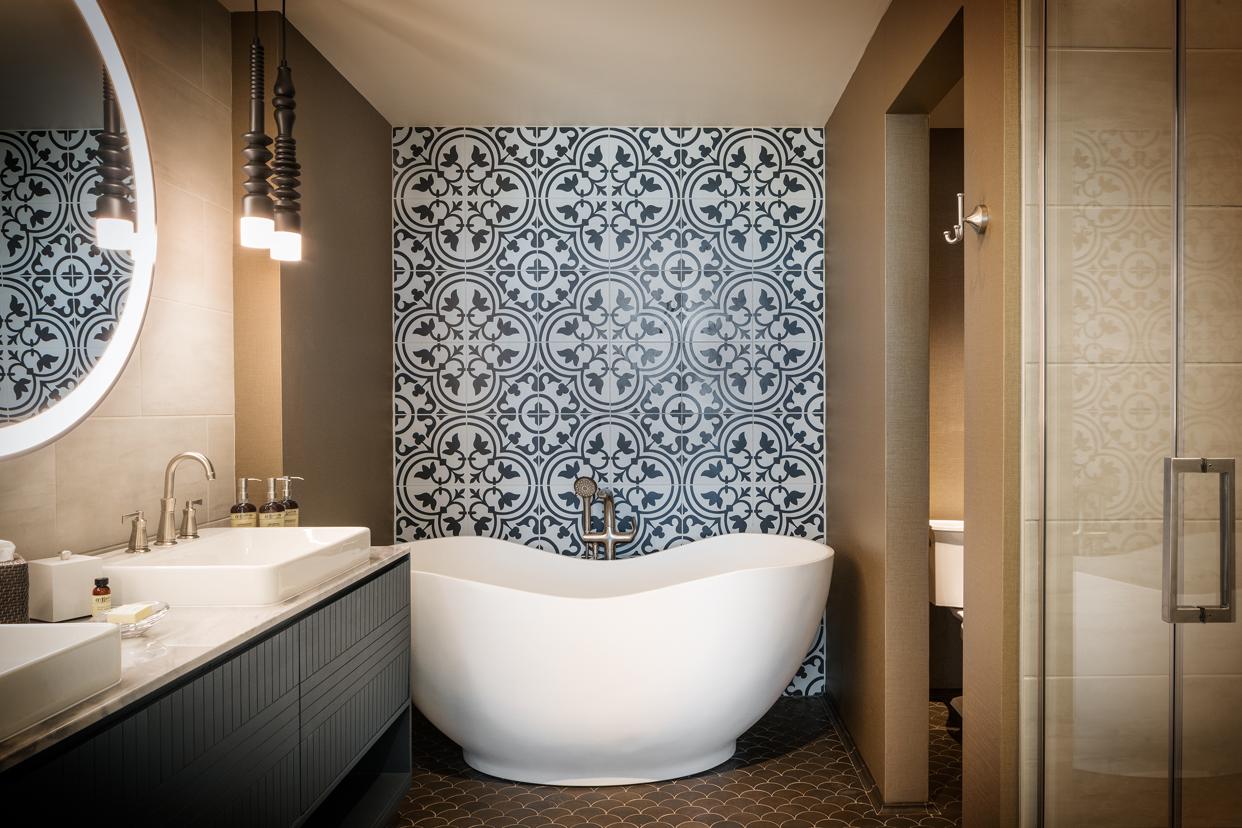 The Elizabeth Guest Room Bath